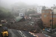 ญี่ปุ่นอ่วม เกิดดินโคลนถล่มกวาดบ้านเรือนพังพินาศ สูญหายกว่า 20 คน